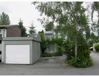 "Photo 2: 3017 MAPLEBROOK Place in Coquitlam: Meadow Brook House for sale in ""MEADOWBROOK"" : MLS®# V774389"