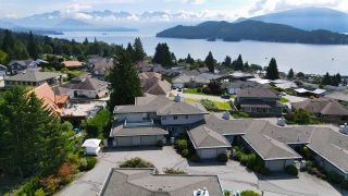 "Photo 7: 8 554 EAGLECREST Drive in Gibsons: Gibsons & Area Townhouse for sale in ""Georgia Mirage"" (Sunshine Coast)  : MLS®# R2474537"