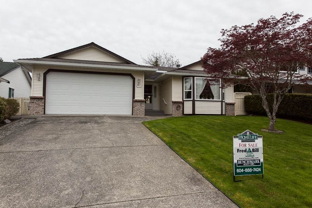 Main Photo: 21583 93B Avenue in Langley: Walnut Grove House for sale : MLS®# R2160482