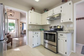 Photo 3: 2784 Bradford Dr in : CR Willow Point House for sale (Campbell River)  : MLS®# 884927