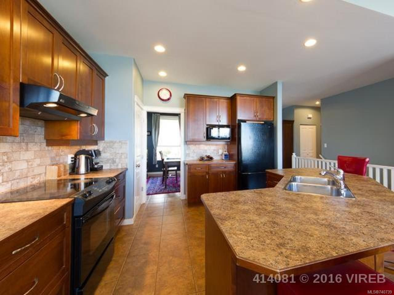Photo 4: Photos: 632 Nelson Rd in CAMPBELL RIVER: CR Willow Point House for sale (Campbell River)  : MLS®# 740739