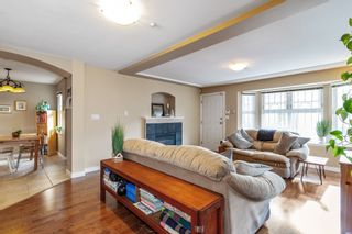 Photo 3: 1720 VENABLES Street in Vancouver: Grandview Woodland 1/2 Duplex for sale (Vancouver East)  : MLS®# R2540826