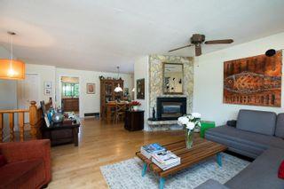 Photo 7: 14360 18 Avenue in Surrey: Sunnyside Park Surrey House for sale (South Surrey White Rock)  : MLS®# R2593480