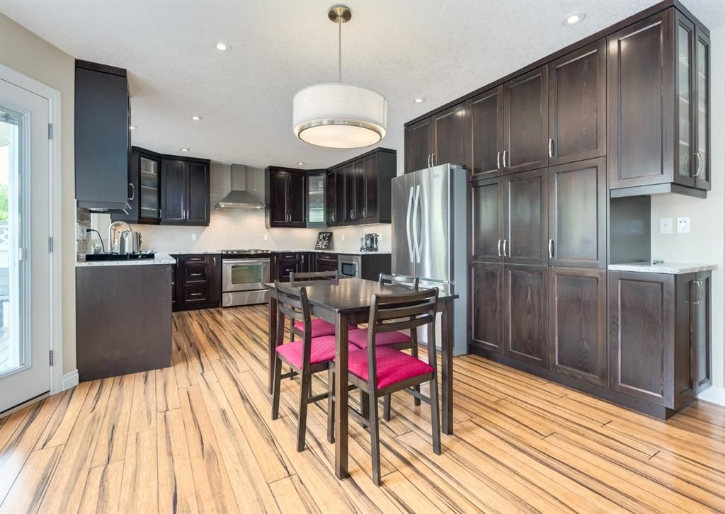 Main Photo: 86 Wood Valley Drive SW in Calgary: Woodbine Detached for sale : MLS®# A1119204