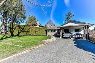 Photo 1: 5824 170A Street in Surrey: Cloverdale BC House for sale (Cloverdale)  : MLS®# R2255515