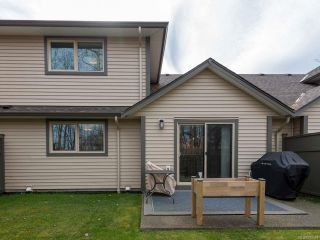 Photo 8: 6 1620 Piercy Ave in COURTENAY: CV Courtenay City Row/Townhouse for sale (Comox Valley)  : MLS®# 810581
