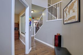 Photo 4: 100 Mt Selkirk Close SE in Calgary: McKenzie Lake Detached for sale : MLS®# A1063625