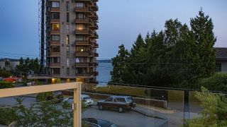 Photo 9: 2175 ARGYLE Avenue in West Vancouver: Dundarave Townhouse for sale : MLS®# R2597725