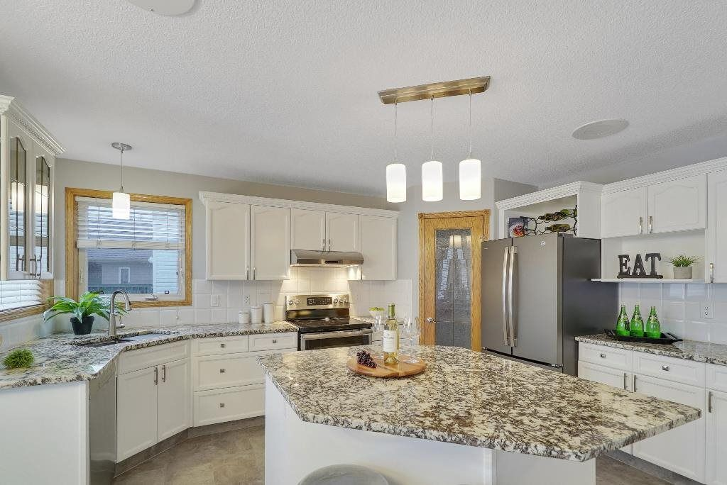 Main Photo: 16415 89 Street in Edmonton: Zone 28 House for sale : MLS®# E4243069