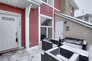 Photo 2: 768 73 Street SW in Calgary: West Springs Row/Townhouse for sale : MLS®# A1044053