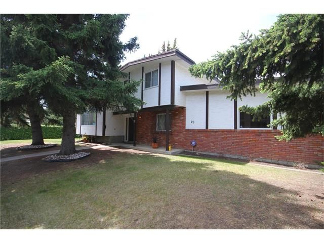 FEATURED LISTING: 20 VARSDALE Place Northwest Calgary