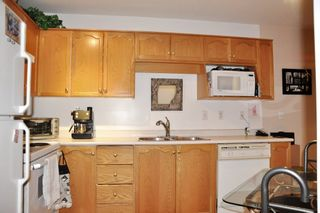 """Photo 3: 210A 2615 JANE Street in Port Coquitlam: Central Pt Coquitlam Condo for sale in """"BURLEIGH GREEN"""" : MLS®# R2340367"""
