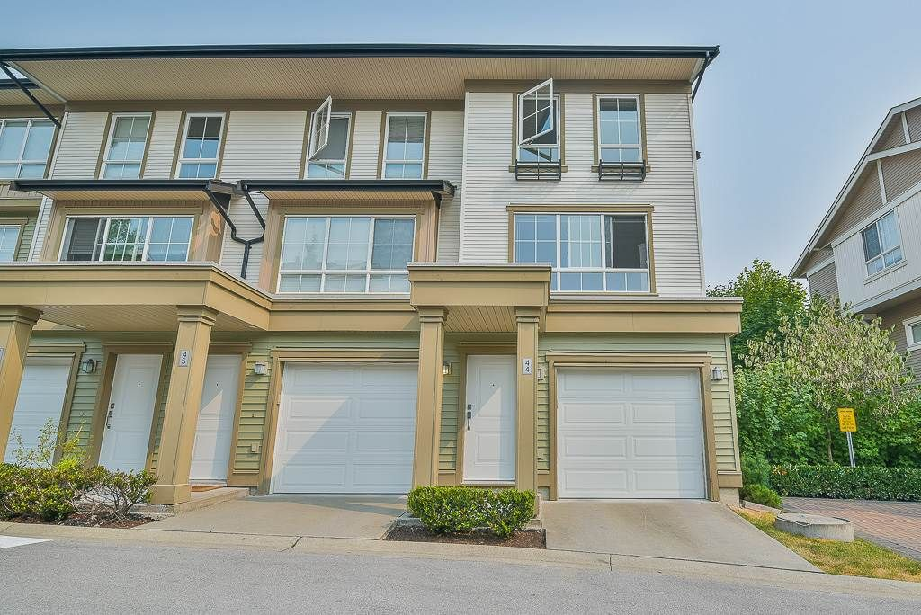 """Main Photo: 44 19505 68A Avenue in Surrey: Clayton Townhouse for sale in """"Clayton Rise"""" (Cloverdale)  : MLS®# R2299619"""
