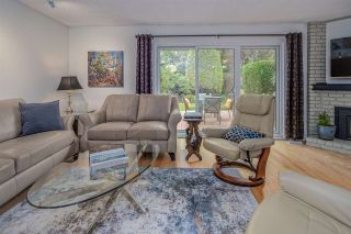 """Photo 4: 26 11771 KINGFISHER Drive in Richmond: Westwind Townhouse for sale in """"Somerset Mews/Westwind"""" : MLS®# R2512817"""
