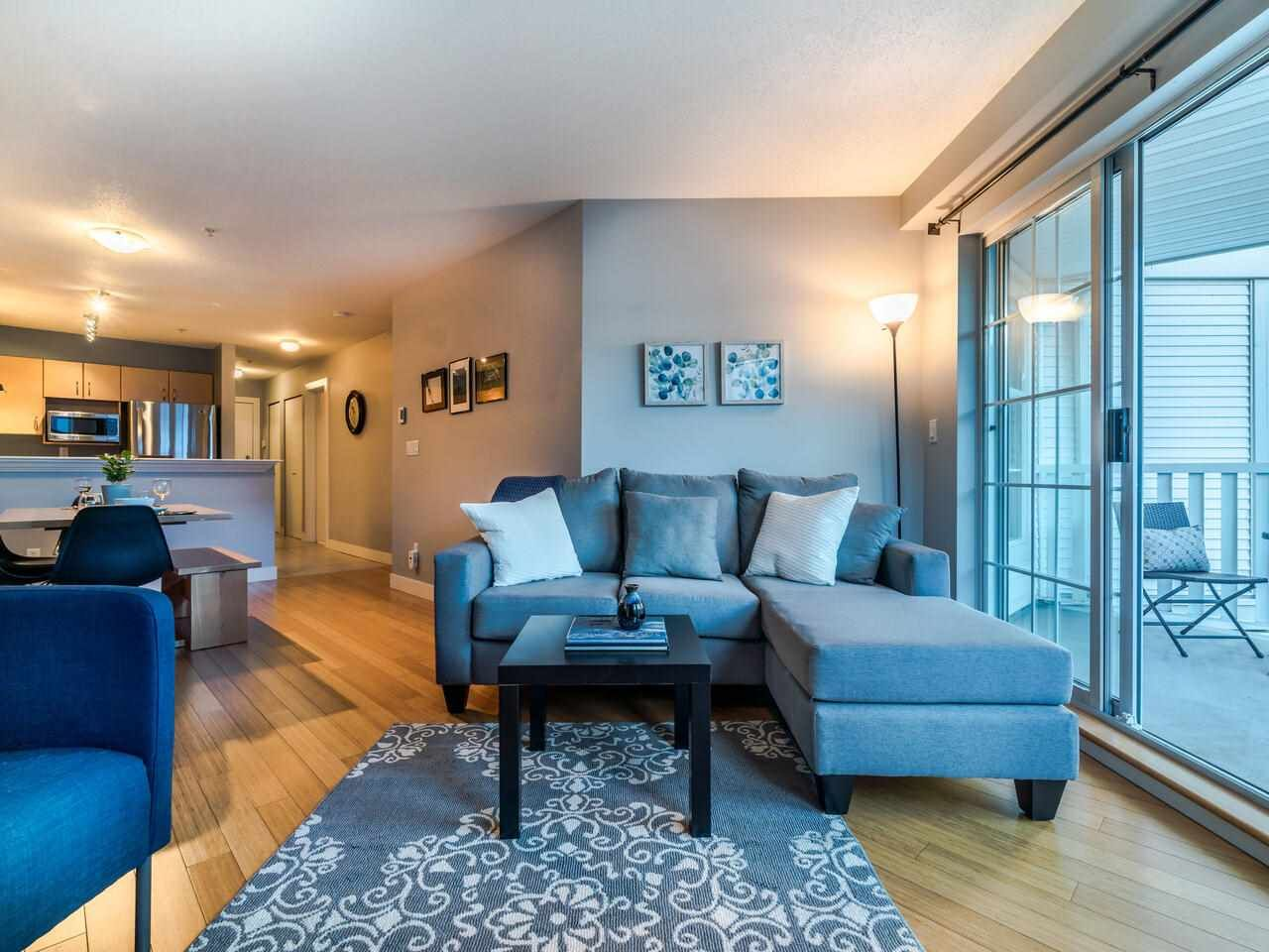 """Main Photo: 204 137 E 1ST Street in North Vancouver: Lower Lonsdale Condo for sale in """"The Coronado"""" : MLS®# R2530458"""