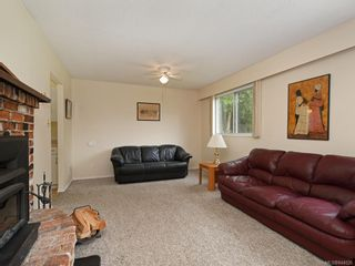 Photo 4: 2118 Bradford Ave in Sidney: Si Sidney North-East House for sale : MLS®# 844026