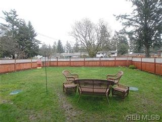 Photo 3: 2978A Pickford Rd in VICTORIA: Co Hatley Park Half Duplex for sale (Colwood)  : MLS®# 597134