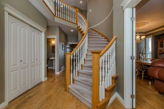 Photo 2: 31680 AMBERPOINT Place in Abbotsford: Abbotsford West House for sale : MLS®# R2452368