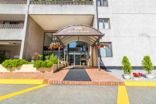 "Photo 2: 1204 6595 WILLINGDON Avenue in Burnaby: Metrotown Condo for sale in ""HUNTLY MANOR"" (Burnaby South)  : MLS®# R2536954"