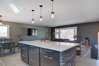 Photo 3: 204 MAPLE COURT Crescent SE in Calgary: Maple Ridge Detached for sale : MLS®# A1152517