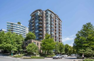 """Main Photo: 806 170 W 1ST Street in North Vancouver: Lower Lonsdale Condo for sale in """"One Park Lane"""" : MLS®# R2598405"""