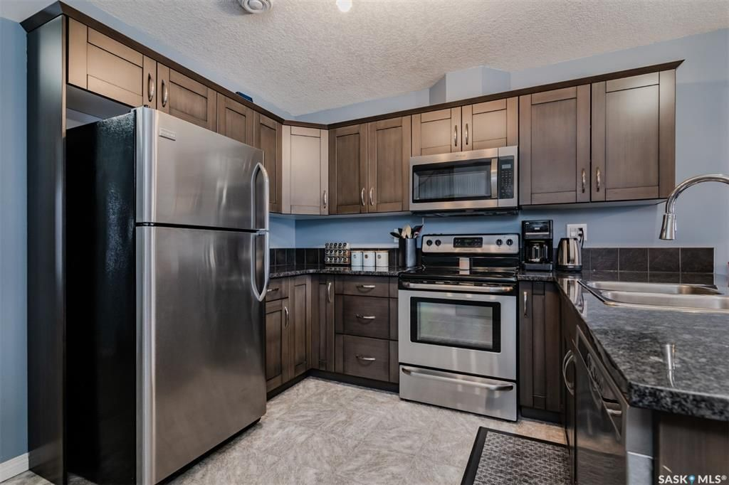 Main Photo: 405 103 Klassen Crescent in Saskatoon: Hampton Village Residential for sale : MLS®# SK845947