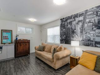 Photo 13: 865 E 10TH Avenue in Vancouver: Mount Pleasant VE 1/2 Duplex for sale (Vancouver East)  : MLS®# R2068935