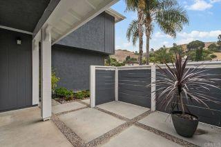 Photo 5: House for sale : 4 bedrooms : 3172 Noreen Way in Oceanside