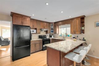 """Photo 13: 13527 14 Avenue in Surrey: Crescent Bch Ocean Pk. House for sale in """"Marine Terrace"""" (South Surrey White Rock)  : MLS®# R2552235"""