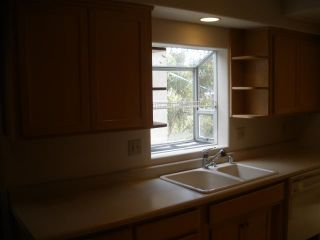 Photo 6: HILLCREST House for sale : 2 bedrooms : 3709 Albatross in San Diego