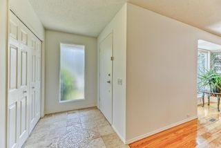 Photo 5: 10843 Mapleshire Crescent SE in Calgary: Maple Ridge Detached for sale : MLS®# A1099704