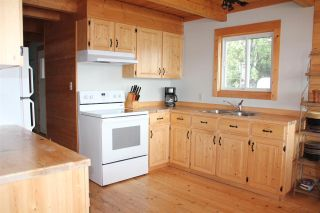 Photo 3: 6348 N GREEN LAKE ROAD in 70 Mile House: Lone Butte/Green Lk/Watch Lk Residential Detached for sale (100 Mile House (Zone 10))  : MLS®# R2398988