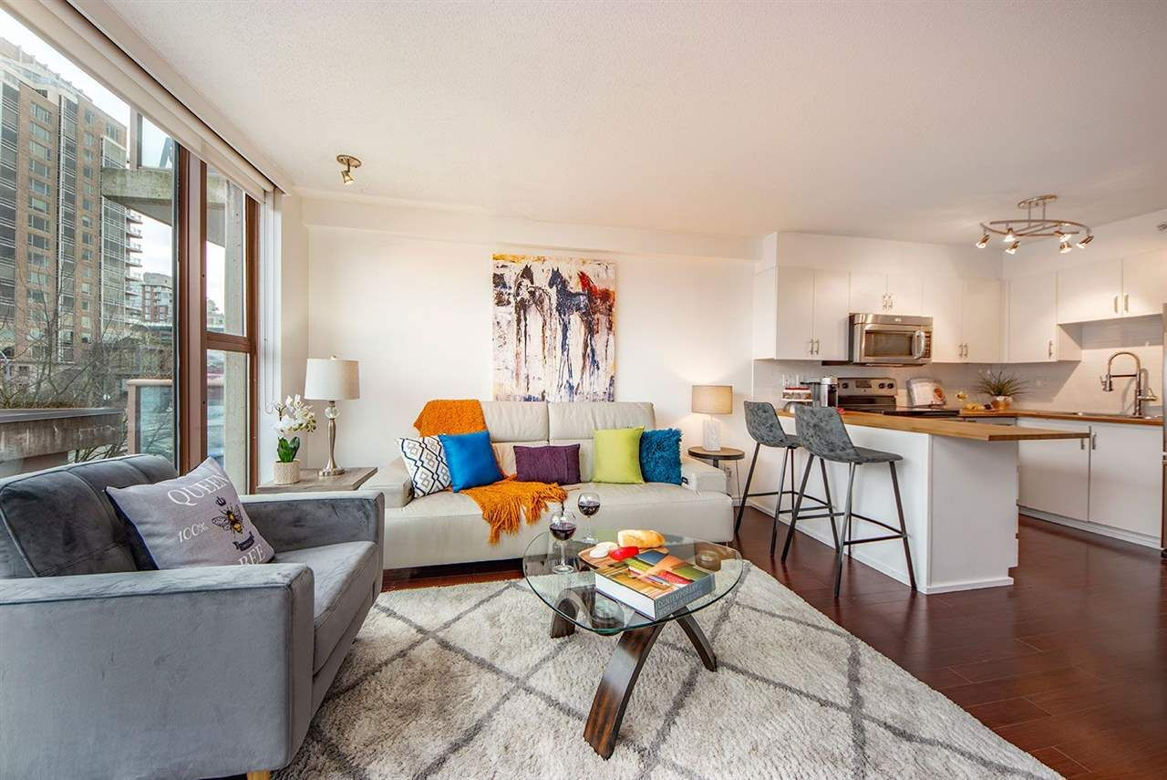 """Main Photo: 404 1633 W 8TH Avenue in Vancouver: Fairview VW Condo for sale in """"Fircrest Gardens"""" (Vancouver West)  : MLS®# R2537315"""