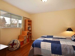 """Photo 8: 3058 GLEN Drive in Vancouver: Mount Pleasant VE House for sale in """"Cedar Cottage"""" (Vancouver East)  : MLS®# V937077"""