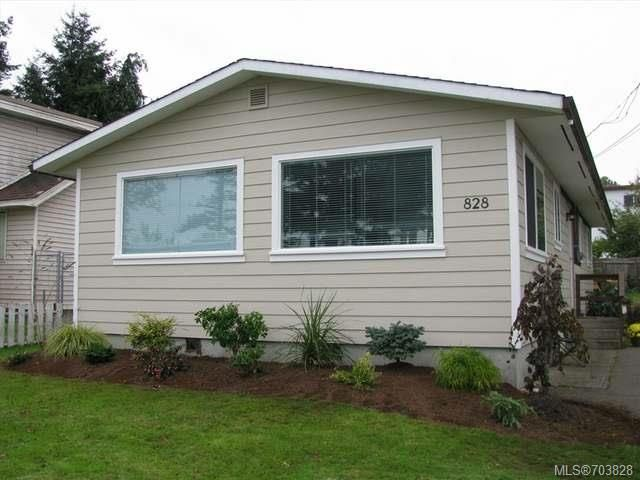 Main Photo: 828 Thulin St in CAMPBELL RIVER: CR Campbell River Central Manufactured Home for sale (Campbell River)  : MLS®# 703828