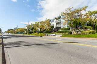 """Photo 3: 307 15941 MARINE Drive: White Rock Condo for sale in """"THE HERITAGE"""" (South Surrey White Rock)  : MLS®# R2408083"""