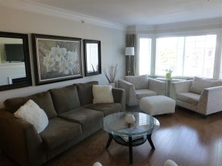 "Photo 10: PH1 15357 ROPER Avenue: White Rock Condo for sale in ""REGENCY COURT"" (South Surrey White Rock)  : MLS®# R2366070"