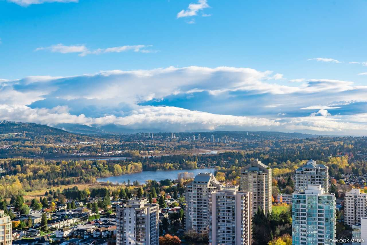 Main Photo: 3501 4670 ASSEMBLY Way in Burnaby: Metrotown Condo for sale (Burnaby South)  : MLS®# R2321179