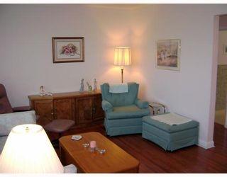 Photo 9: 722 FOXGROVE Avenue in WINNIPEG: Birdshill Area Residential for sale (North East Winnipeg)  : MLS®# 2907816
