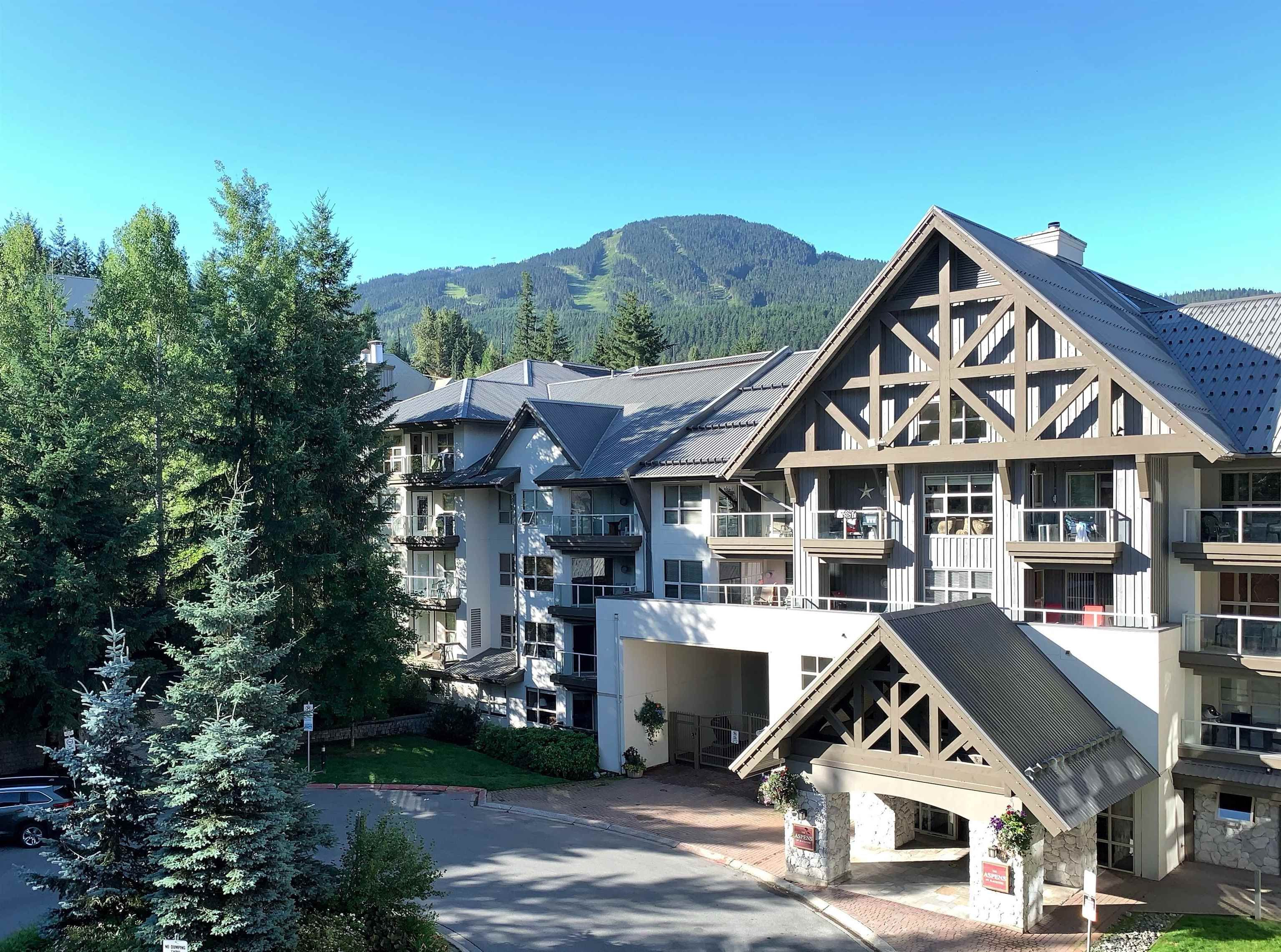 """Main Photo: 101 4800 SPEARHEAD Drive in Whistler: Benchlands Condo for sale in """"The Aspens"""" : MLS®# R2623932"""