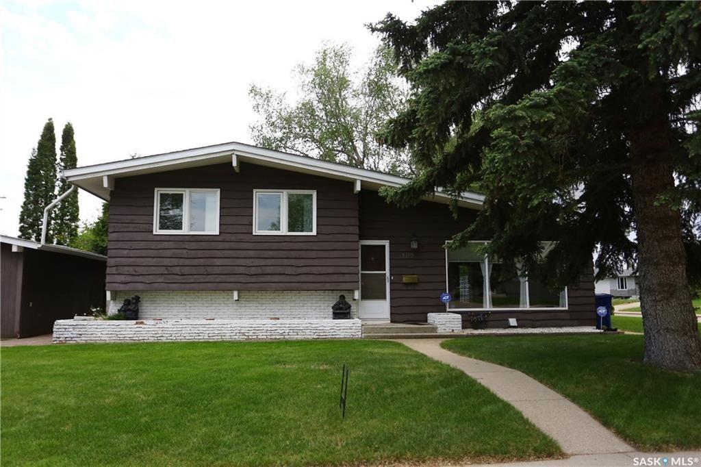 Main Photo: 1112 Tiffin Crescent in Saskatoon: Hudson Bay Park Residential for sale : MLS®# SK734647