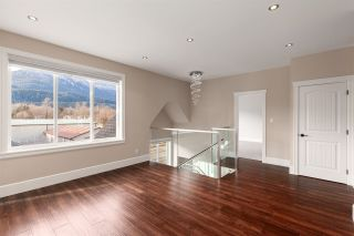 "Photo 18: 1020 STARVIEW Place in Squamish: Tantalus House for sale in ""TANTALUS"" : MLS®# R2536297"