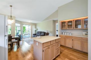 """Photo 13: 109 19649 53 Avenue in Langley: Langley City Townhouse for sale in """"Huntsfield Green"""" : MLS®# R2591188"""