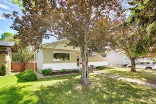 Photo 2: 306 Ashley Crescent SE in Calgary: Acadia Detached for sale : MLS®# A1120669