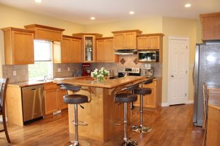 """Photo 5: 4973 217B Street in Langley: Murrayville House for sale in """"Murrayville"""" : MLS®# R2084333"""