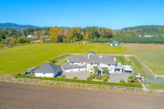 Photo 1: 7112 Puckle Rd in : CS Saanichton House for sale (Central Saanich)  : MLS®# 884304
