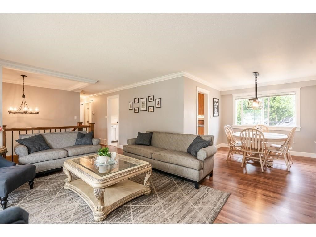 Photo 5: Photos: 32093 SANDPIPER Drive in Mission: Mission BC House for sale : MLS®# R2588043
