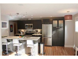"""Photo 2: 10 308 W 2ND Street in North Vancouver: Lower Lonsdale Condo for sale in """"Mohan Gardens"""" : MLS®# V1055350"""