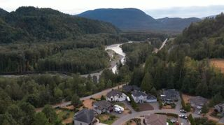 """Photo 15: 4320 ESTATE Drive in Chilliwack: Chilliwack River Valley House for sale in """"Williamsberg"""" (Sardis) : MLS®# R2598141"""