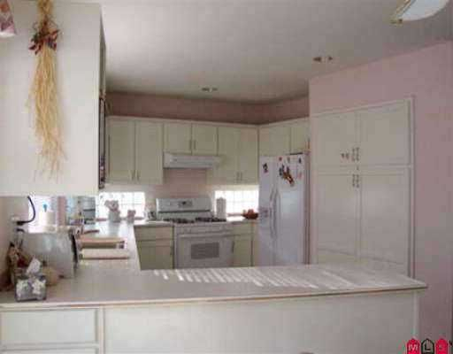 Photo 6: Photos: 15532 LORNE CT: White Rock House for sale (South Surrey White Rock)  : MLS®# F2613150